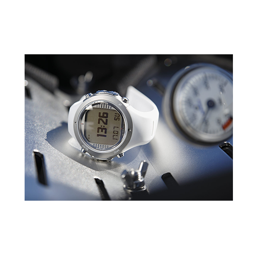Suunto D6i Novo White Watch With USB Price Abudhabi